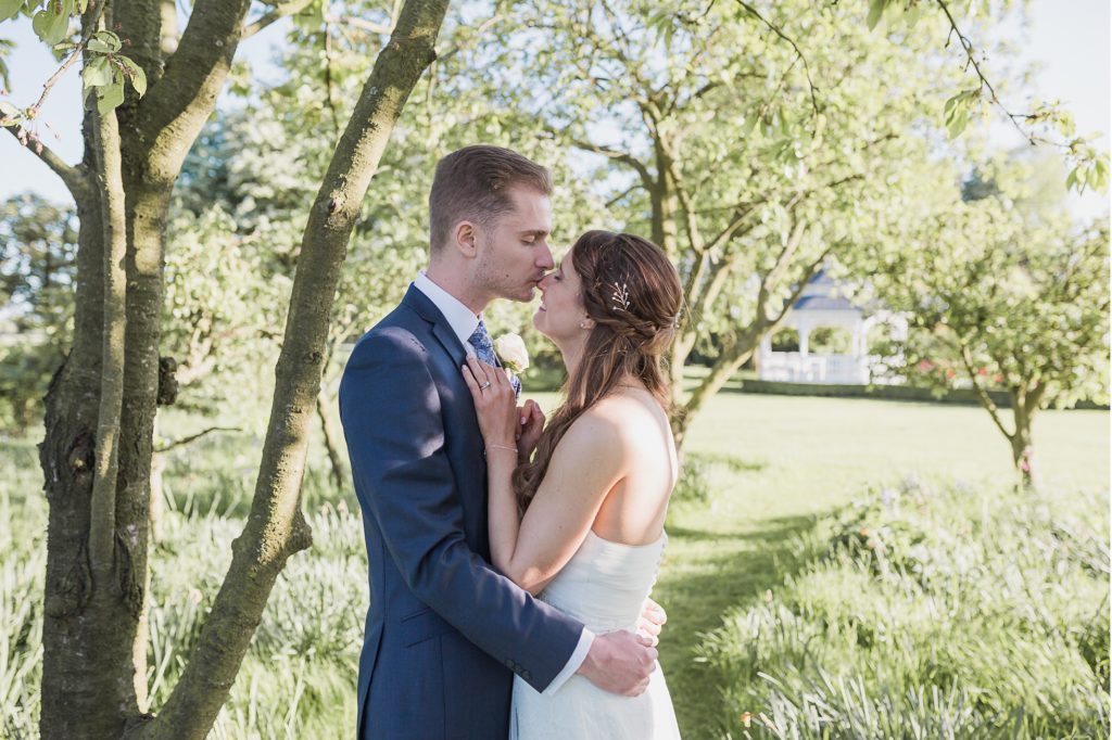 Wedding | Old Kent Barn – Swingfield | Louise & Matt